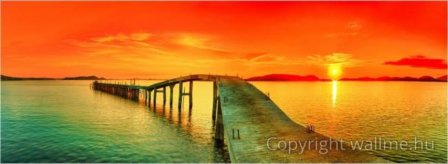 Színekkel teli naplementés panoráma fotó