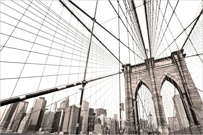 Minimalista fekete-fehér fotó a New Yorki Manhattan hídról