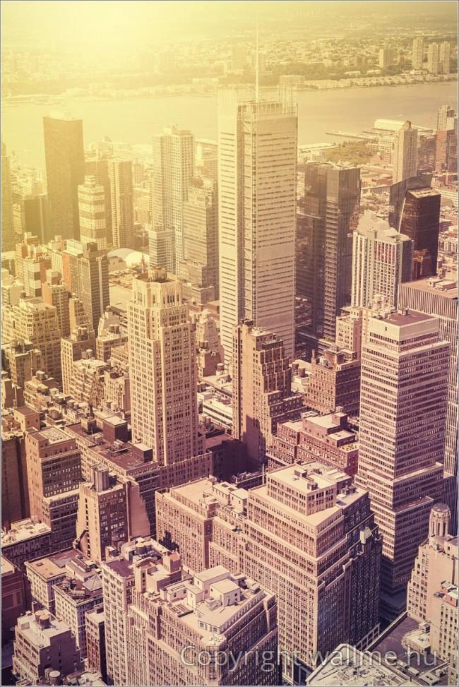 Manhattan felhőkarcolói fotó szépia árnyalattal