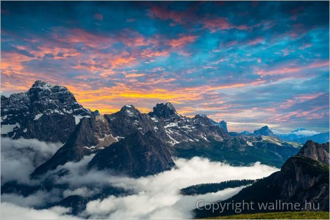 Dél-Tiroli táj, Dolomitok hegység, panoráma fotó