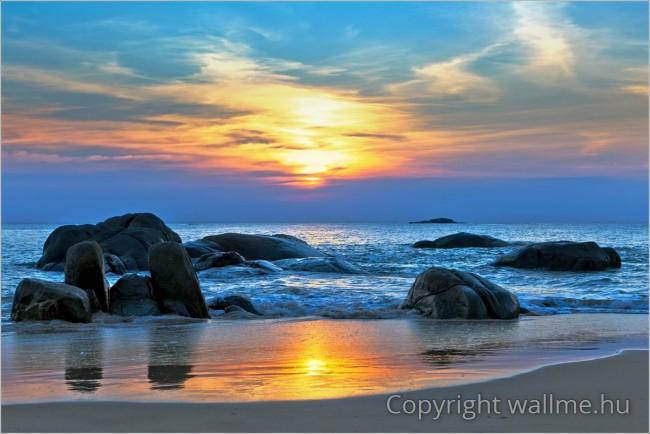 Sziklás tengerparti fotó